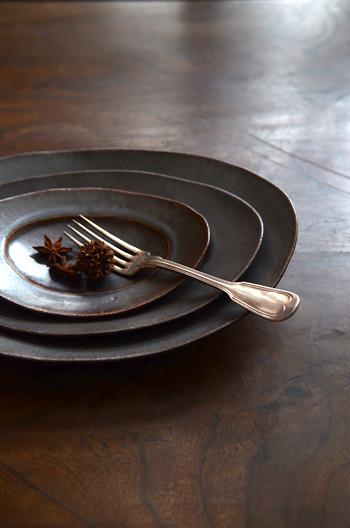 林拓児 鉄釉楕円皿