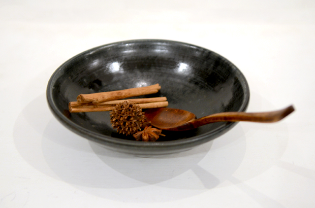 田谷直子 黒瑠璃6寸玉縁鉢