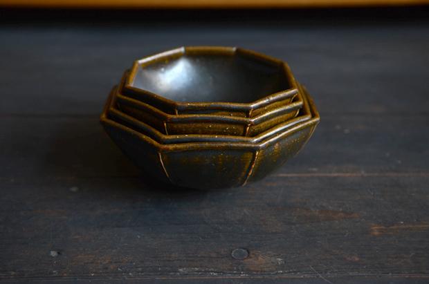 光藤佐 黒釉八角鉢