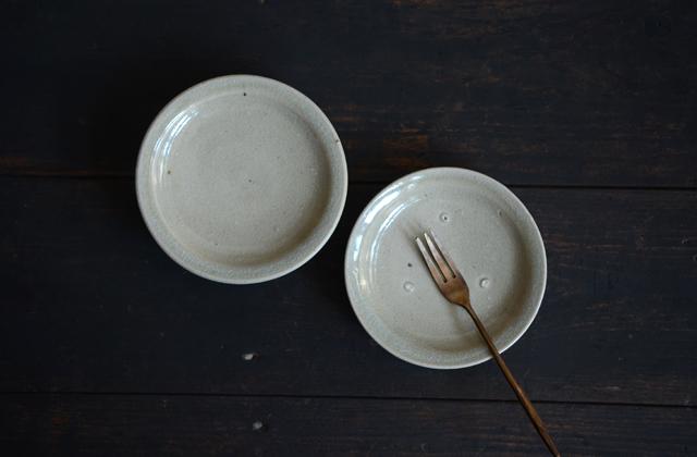 田谷直子 灰釉グレー4寸リム皿