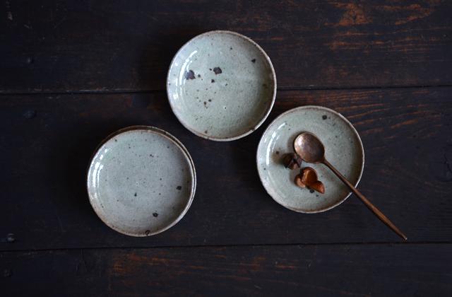 竹本ゆき子 粉引灰釉豆皿