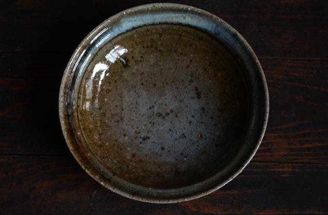 八田亨 ぶどう灰8寸リム鉢