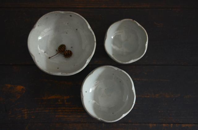 八田亨 粉引輪花鉢