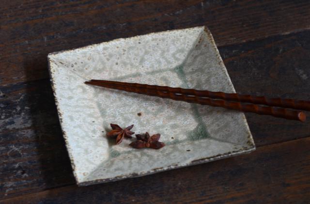 尾形アツシ ヒビ粉引四方皿