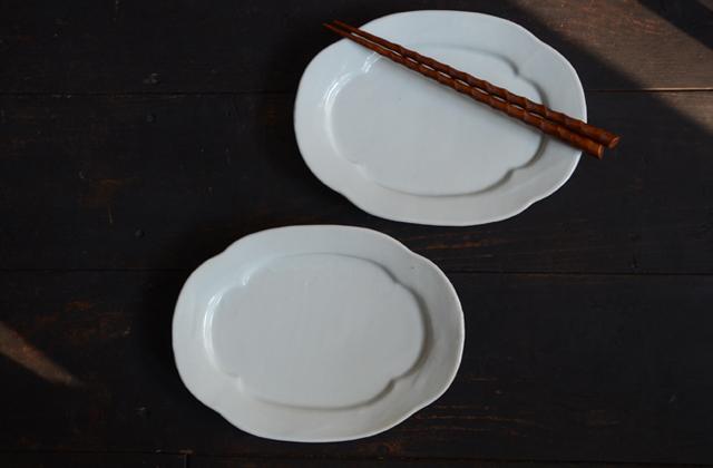 土井善男 乳白釉木瓜板皿