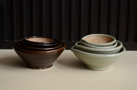 益子の原泰弘さんからすり鉢などの台所道具が届いています