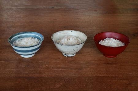 re:sumicaで『新米の季節到来。器の素材でごはんの味は変わる!?』をご紹介しています。